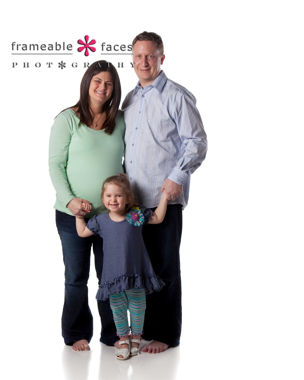 Frameable Faces Photography - Maternity Family Photo